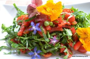 salade aux fleurs comestibles